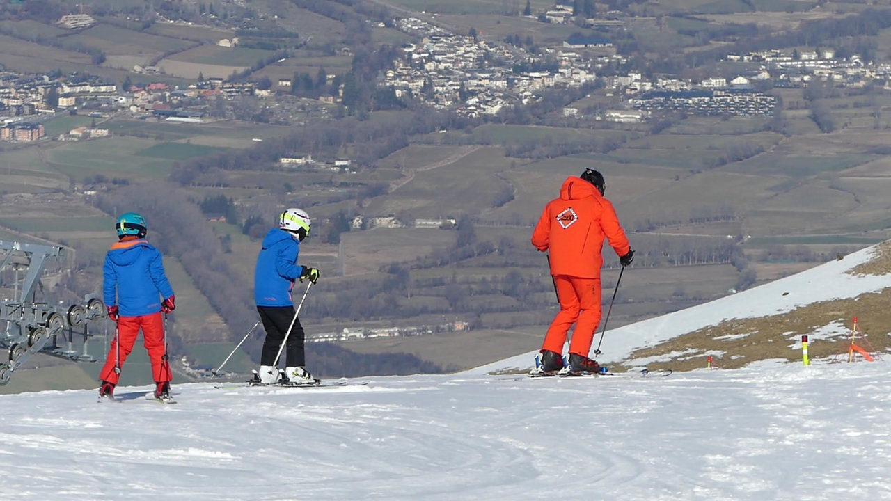 CHRISTMAS SKI COURSE 15 HOURS
