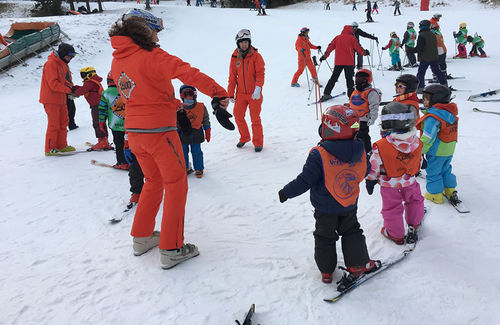 COLLECTIVE SKIING CLASSES