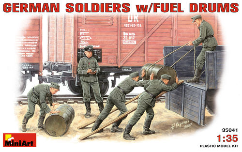 MINIART 35041 1/35 German Soldiers w/ Fuel Drums