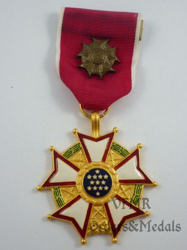 Legion of Merit, oficial