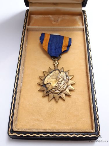 WWII Air Medal with case