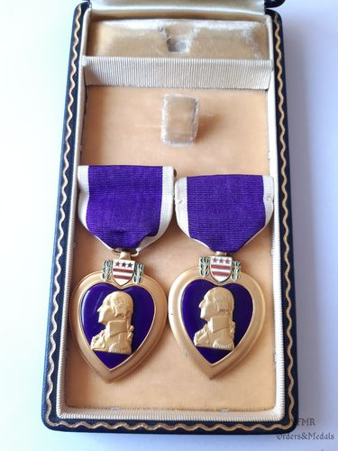 WWII Double Purple Heart with case
